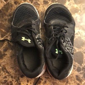 Underarmour kids shoes